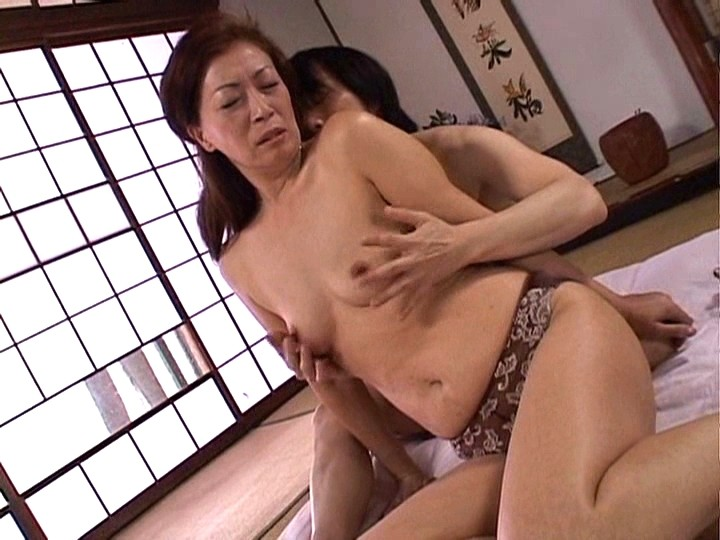 Free japanese mother son porn pics