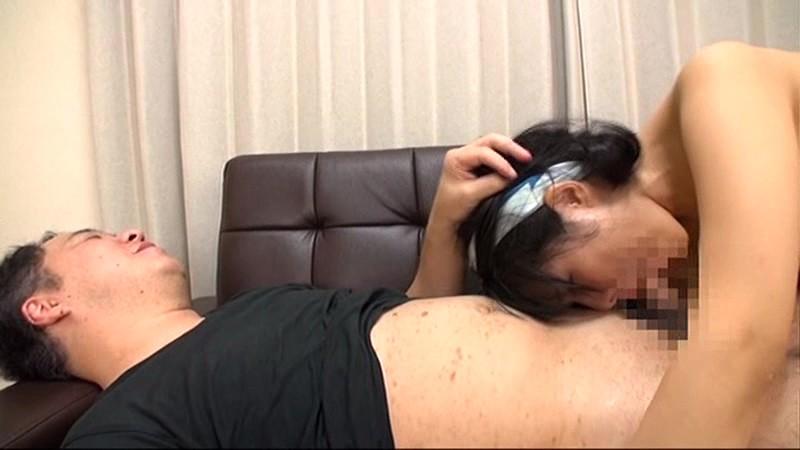寝取られ主観 嫌がる顔がたまらない関西弁の若妻 水城りのScreenshot