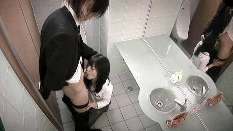порно в туалете японки этом