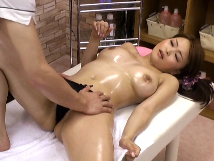 Asian japanese girl massage turns sex in glass walls