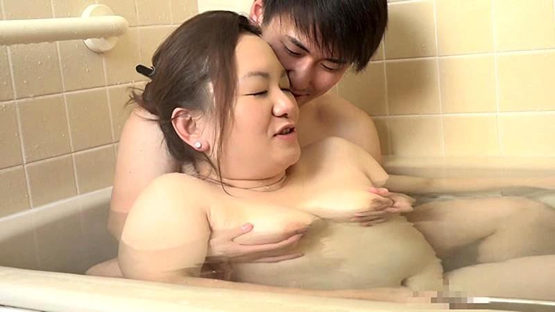 一度限りの背徳人妻不倫(23)~若い男のデカチンをブチ込まれたい巨乳妻・あや45歳Screenshot