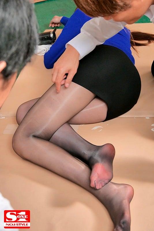 婚約者の目の前で輪姦された新任女教師 橋本ありなScreenshot